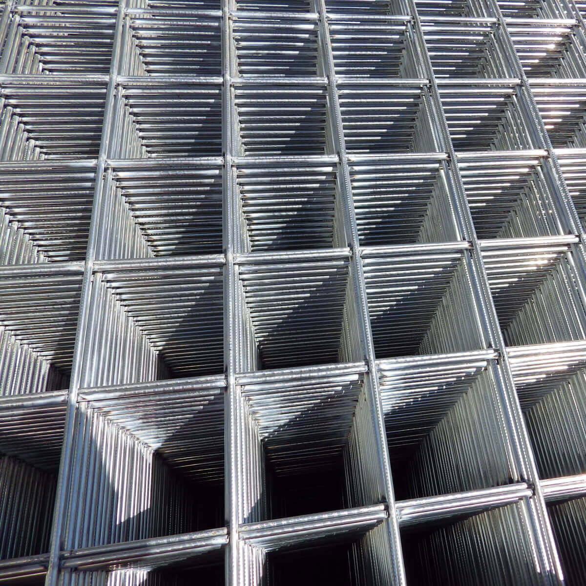 6-in x 6-in Grid Concrete Reinforcing Mesh Sheet - 4-ft x 7-ft