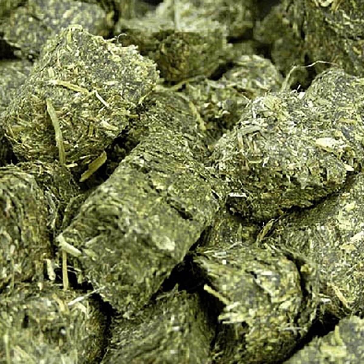 """Alfatec 7/8"""" Alfalfa Cubes - 500 kg"""